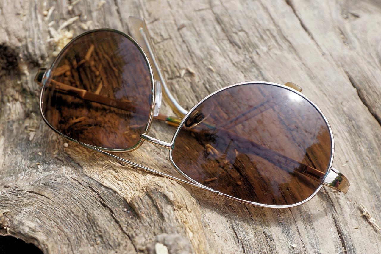 glasses-1557994_1280